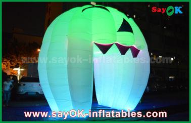 China Decorações infláveis bonitos do feriado que iluminam a porta de Ghost/grande abóbora inflável fornecedor