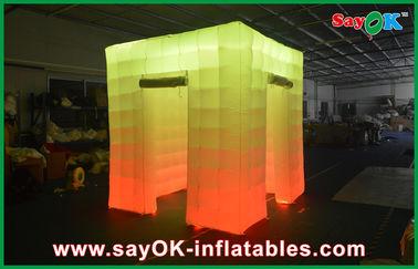 Cabine inflável da foto da luz do cubo da porta de abertura 2 com a parte superior conduzida